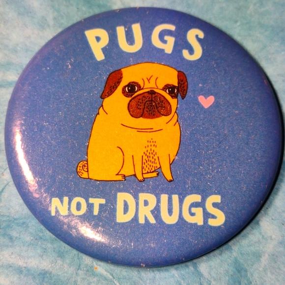 Pugs NOT Drugs Vintage Magnet